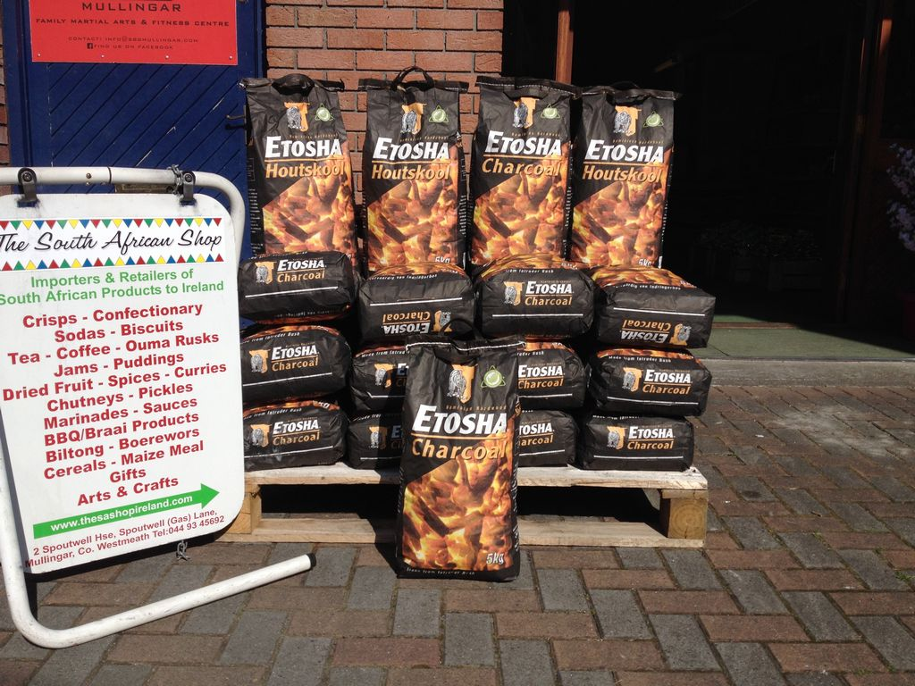 Briquettes / Charcoal / Firewood / Lumpwood / Firelighters